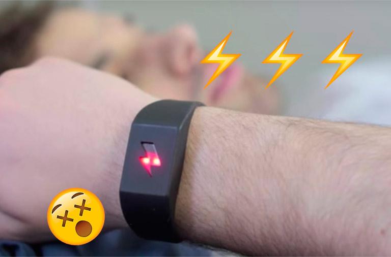 Shock Clock, la pulsera que te electrocuta para que te levantes a tiempo